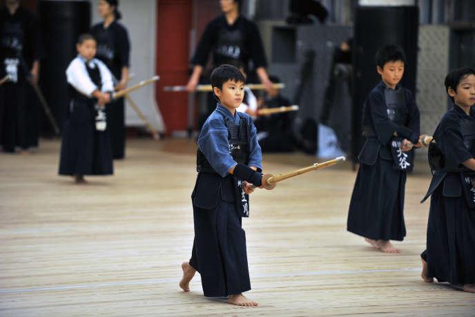 Une classe de kendo à Osaka, au Japon.