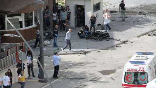 Un attentat a tué un policier à Gaziantep, en Turquie, près de la frontière avec la Syrie.