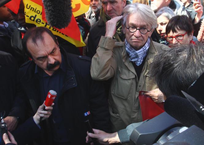 Philippe Martinez et Jean-Claude Mailly, les patrons de la CGT et de FO, à Paris, lors des défilés du 1er mai 2016, marqués par l'opposition au projet de loi loi El-Khomri.