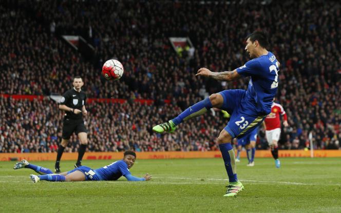 L'attaquant de Leicester City, Leonardo Ulloa, le 1er mai, à Manchester.