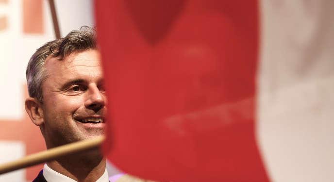 Norbert Hofer, le candidat de l'extrême droite (FPÖ) à l'élection présidentielle autrichienne, à Linz, le 1er mai.
