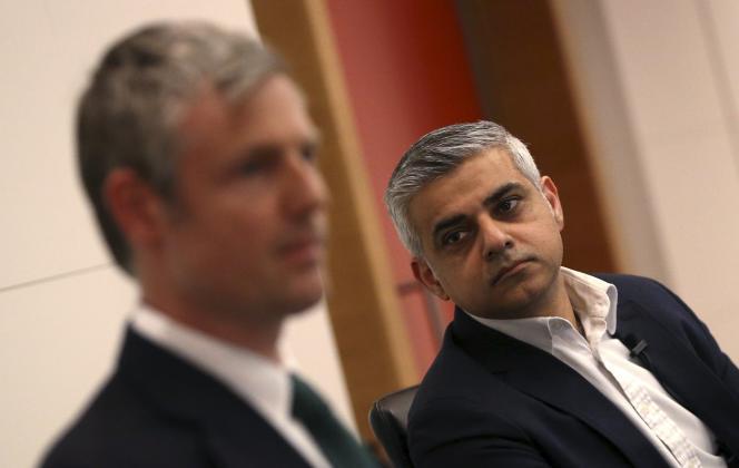 Le candidat du Parti travailliste et favoris des sondages, Sadiq Khan (à droite) et son adversaire dans la course à la mairie de Londres, le conservateur Zac Goldsmith, pendant un débat, le 23 mars 2016.
