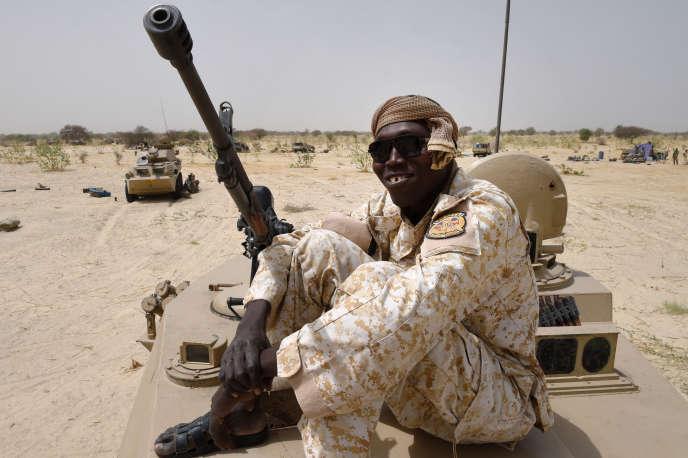 Un soldat tchadien près de la frontière avec le Niger.
