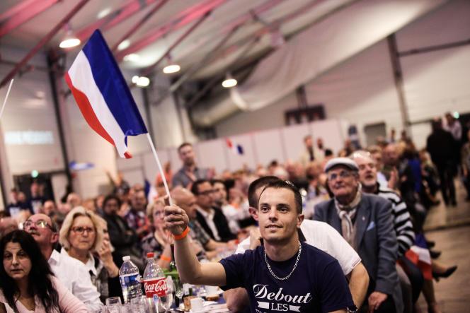Militants lors du Banquet patriote de Marine Le Pen.