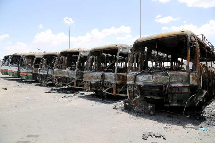 Des bus ont été incendiés, près de La Mecque, par des ouvriers en colère du groupe Ben Laden, samedi 30 avril