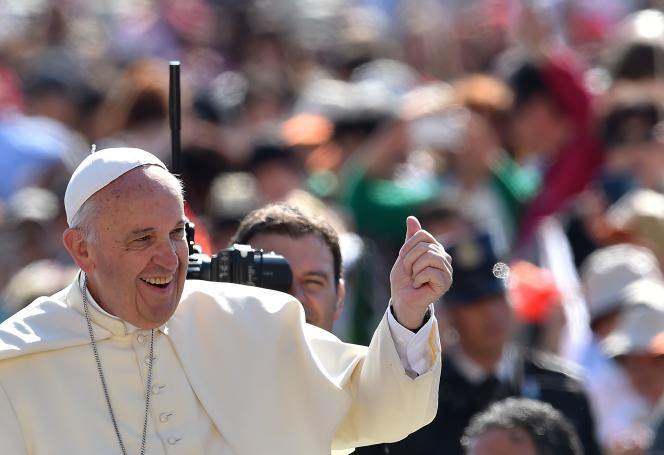 Le pape François s'est vu attribuer le Prix Charlemagne 2016 en Allemagne pour
