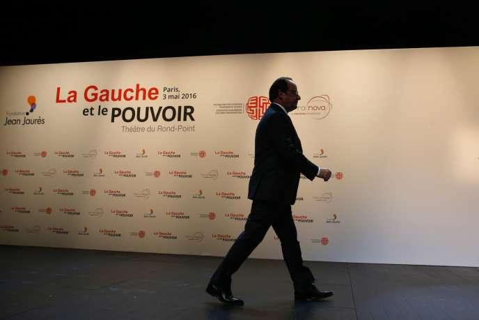 François Hollande, après son discours au Théâtre du Rond-Point, à Paris, le 3 mai.