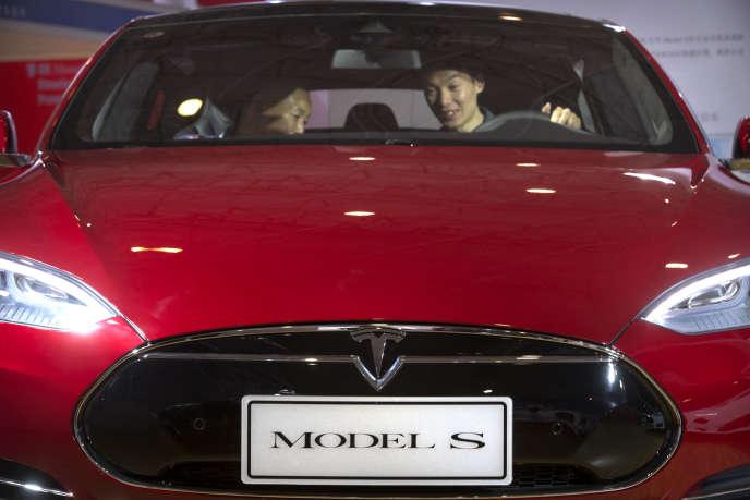 La Tesla Model S electric, au Salon automobile de Pékin, fin avril.