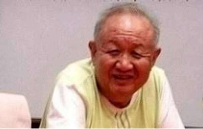 Qi Benyu,  l'un des rédacteurs de la circulaire du 16 mai 1966, qui a sonné le coup d'envoi de la Révolution culturelle, mort le 20 avril, à 85 ans