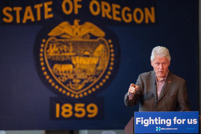 Bill Clinton faisant campagne pour Hillary Clinton à Bend, dans l'Oregon, le 5 mai.