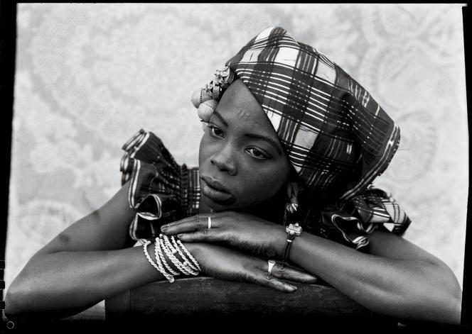 Portraits réalisés dans les années 1950 par Seydou Keïta.