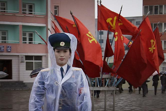 Préparatifs pour le défilé à Pyongyang  à la veille du congrès du Parti des travailleurs.