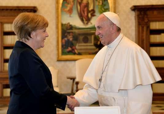 Angela Merkel, la chancelière allemande, et le pape François, le6mai2016, àRome.