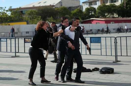 Images de l'arrestation.