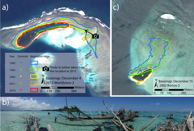 Diminution des îles Sogomou (a et c) et Kale (b) entre 1947 et 2014.