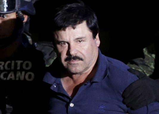 Joaquin «El Chapo» Guzman escorté par des soldats au Mexique, le 8 janvier 2016.