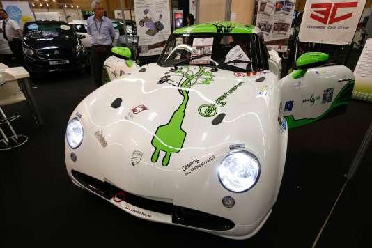 Le prix de l'Assemblée nationale a distingué l'association Cévennes Club Car, qui regroupe 80jeunes, dont des étudiants de l'Ecole des mines d'Alès, pour leur prototype de voiture électrique, baptisée e-Hemera.