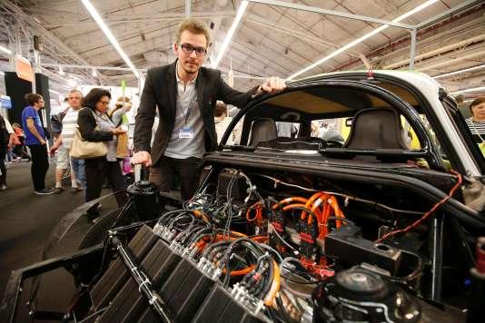 Adrien Milliand, élèvede l'Ecole des mines d'Alès,président du Cévennes Club Car, 3e prix du Concours Lepine pour une voiture électrique E-Hemera, le 7 mai 2016.