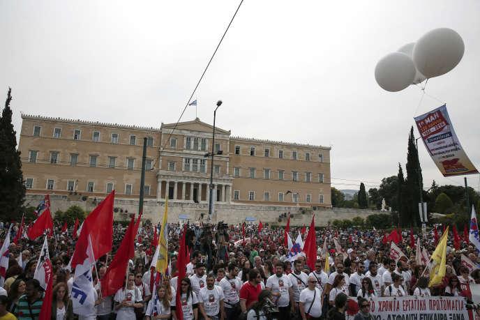 Place Syntagma, devant le Parlement, à Athènes, le 8 mai.