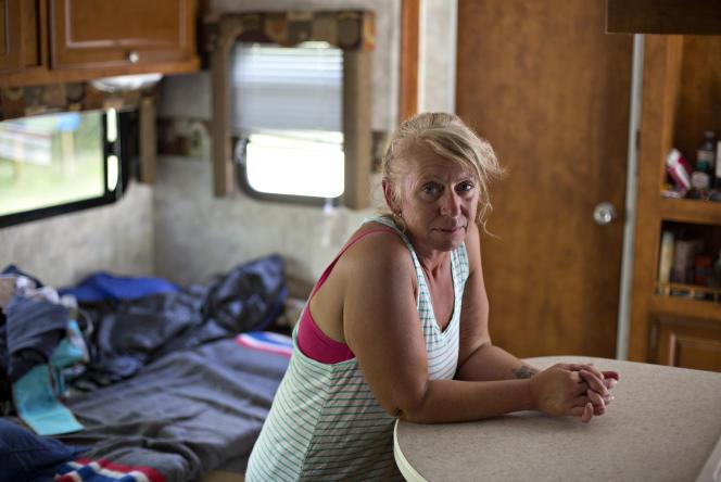Fuyant  l'incendie, Laurie Deep a pu garer sa caravane au camping du parc Winston-Churchill.