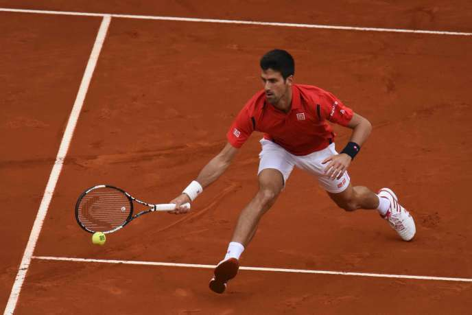 Novak Djokovic face à Andy Murray, le 8 mai 2016 à Madrid.