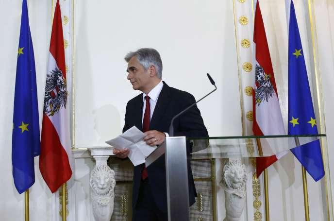 Le chancelier autrichien Werner Faymann lors de l'annonce de sa démission, à Vienne, le 9 mai.