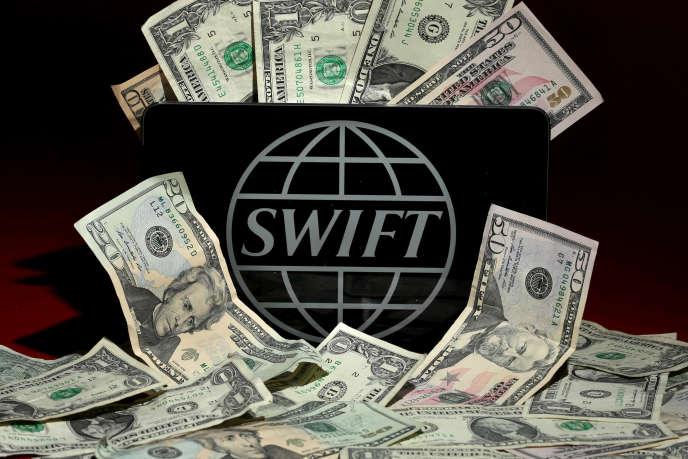 Les policiers bangladais ont accusé le réseau interbancaire Swift de négligence, tandis que le FBI enquête sur des complicités internes à la banque bangladaise.