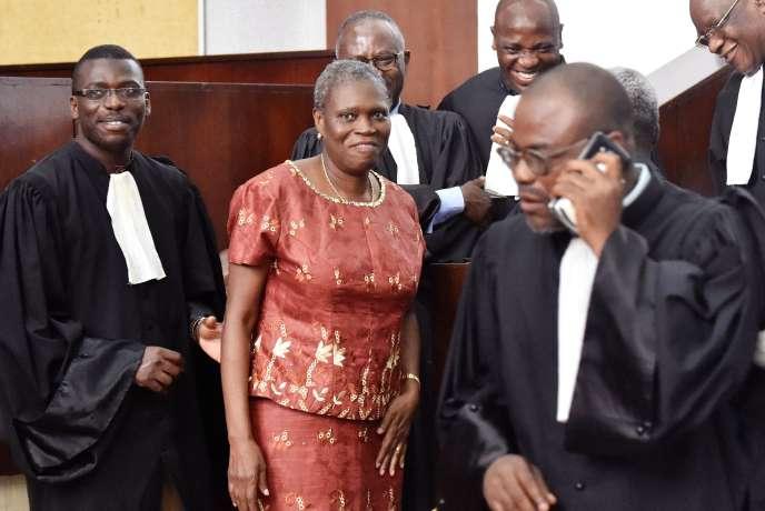 L'ex-première dame ivoirienne Simone Gbagbo à l'ouverture de son procès, le 9 mai 2016, pour «crimes contre l'humanité»aux assises d'Abidjan.