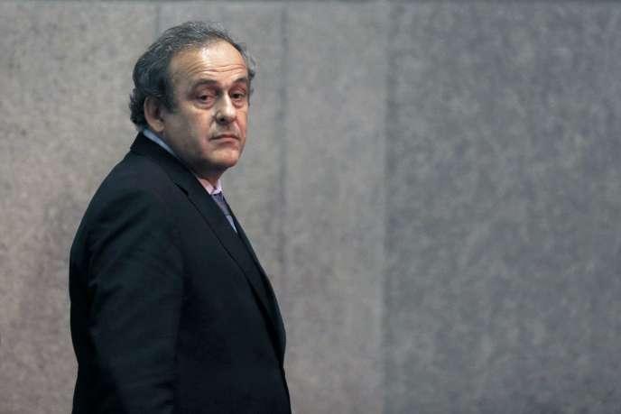 Michel Platini lors du tirage au sort pour la coupe d'Europe de footbal l le 28 juin 2015