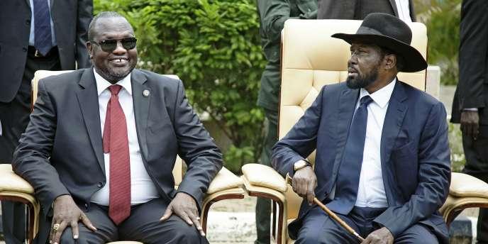 Le vice-président du Soudan du Sud Riek Machar (à gauche) et le président Salva Kiir, à Juba le 29 avril.