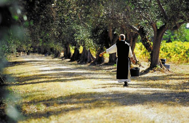 L'huile d'olive des moines de l'abbaye de Lérins.