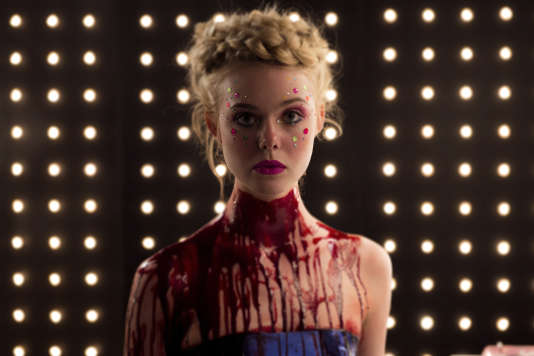 Elle Fanning, dans « The Neon Demon », de Nicolas Winding Refn.