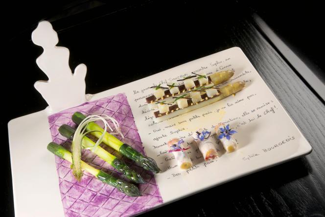Les asperges violettes travaillées par Christian Sinicropi, chef du restaurant La Palme d'or.
