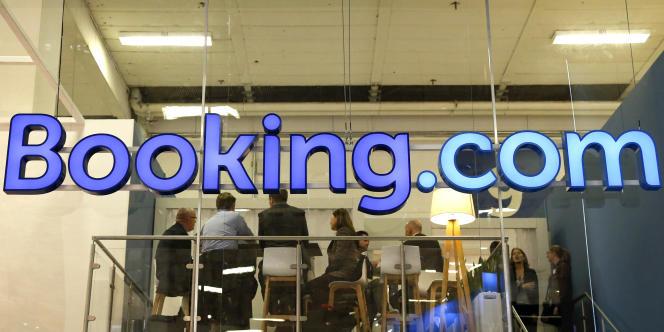 Le stand du site Booking.com lors du Salon du tourisme international de Berlin, le 9 mars 2016.
