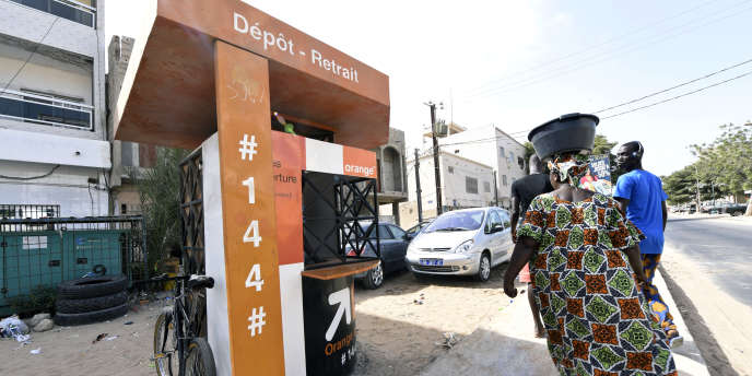 Un point de vente Orange Money à Ouakam, dans la banlieue de Dakar, en juillet 2015.