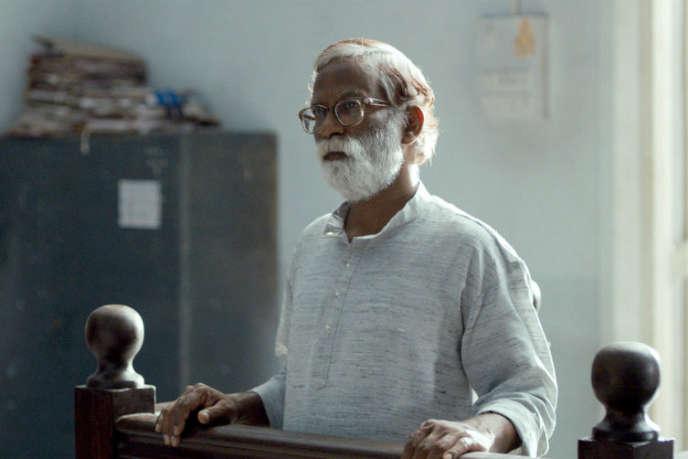 Vira Sathidar dans le film indien de Chaitanya Tamhane, « Court (en instance)».