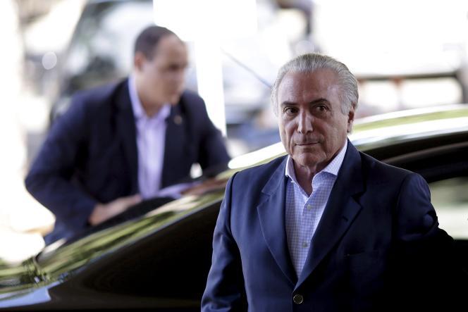 Michel Temer, 75 ans, prend l'interim de Dilma Rousseff.