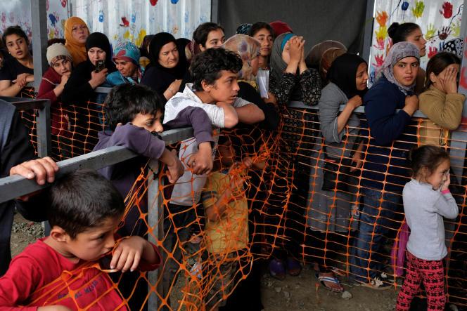 Réfugiés dans le camp grec d'Idomeni, le 12 mai 2016.