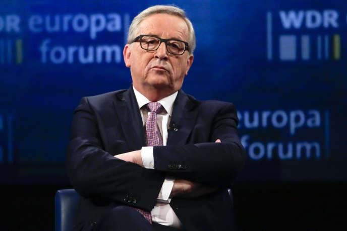 Jean-Claude Junker, le président de la Commission européenne, sur un plateau de la chaîne allemande WDR, le12mai2016.