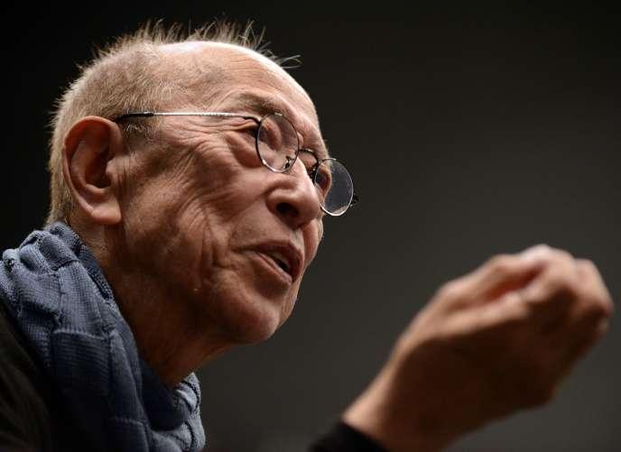 Le metteur en scène Yukio Ninagawa est décédé le12 mai 2016 à Tokyo des suites d'une pneumonie.