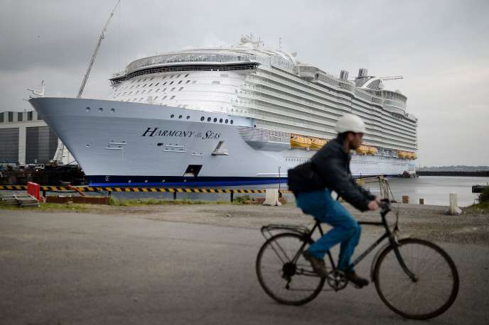 Livré par STX à Royal Caribbean Cruise, le numéro deux mondial des croisières, le paquebot Harmony of the seas a changé de pavillon jeudi 12 mai.