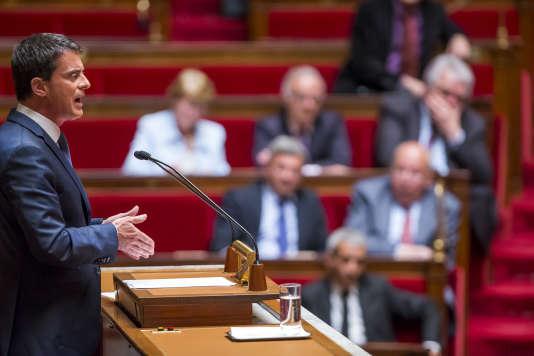 Manuel Valls à l'Assemblée nationale à Paris, jeudi 12 mai 2016 - 2016©Jean-Claude Coutausse / french-politics pour Le Monde