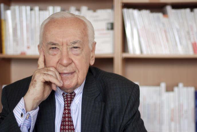 L'ancien patron du FMI et de la Banque de France critique les largesses des banquiers centraux, susceptibles de contribuer à la formation de bulles de crédit.