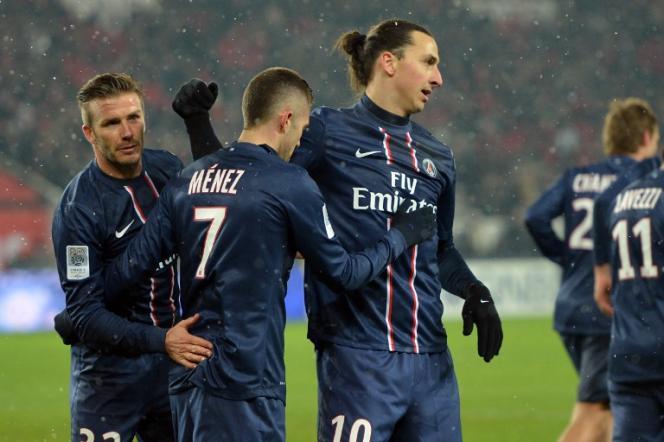 David Beckham en Zlatan Ibrahimovic, geflankeerd door Jeremy Menez, zijn symbolen van het tijdperk dat in 2012 door QSI werd geïntroduceerd - hier in het Parc des Princes, in Parijs, op 24 februari 2013.