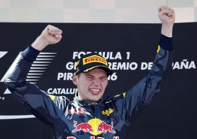 Max Verstappen remporte son premier Grand Prix le 15 mai sur le circuit de Catalogne (Espagne).