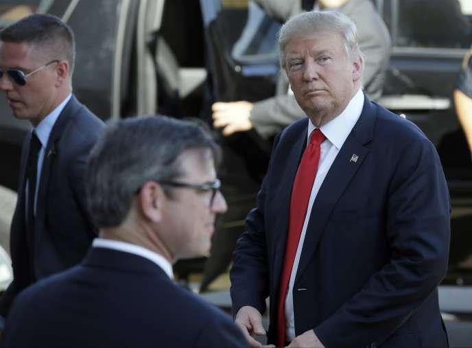 Donald Trump arrivant pour une réunion électorale à Omaha le 6 mai 2016.