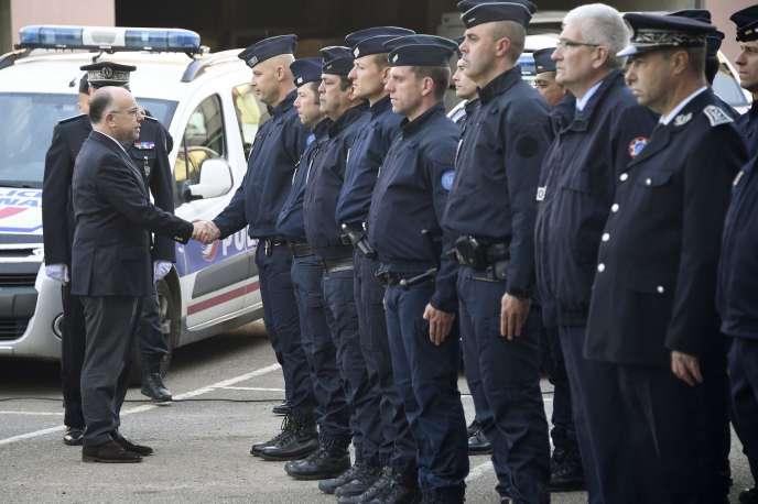 Bernard Cazeneuve a annoncé le maintien des renforts envoyés samedi à Rennes.