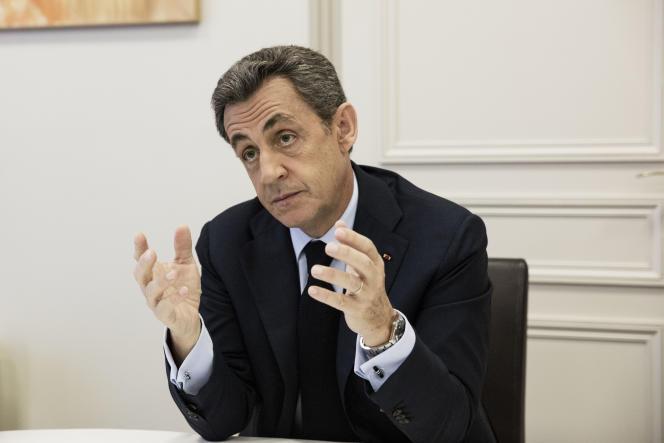 Le président des Républicains, Nicolas Sarkozy, dans son bureau à Paris le 16 mai.