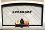 Burberry mais égalementHugo Boss,Cartier, Richemont ont déjà annoncé des plans d'économies ou des restructurations drastiques.