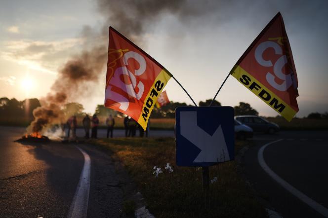 Manifestation à l'appel de la CGT aux abords de la raffinerie Total de Donges.